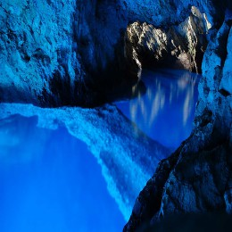 Blue Cave speedboat tour from Kastela