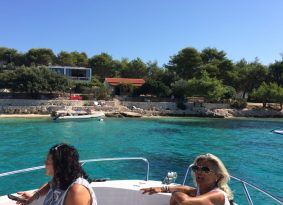 spedboat tour Blue Lagoon and Šolta is the best for small groups