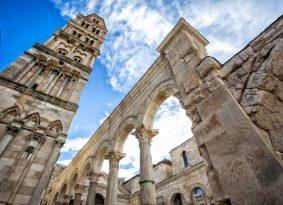 Visit city Split and Trogir from Kastela