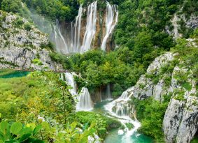Big-waterfalls-Plitvice-Lake