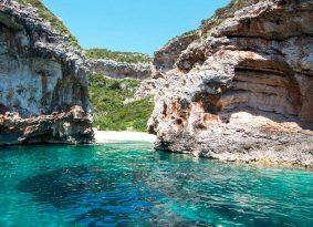 Nice-beach-near-Blue-Cave-Stiniva